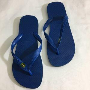 Blue Havaianas Size 7/8